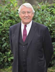 Claude-GOAGUEN-Ancien-Ministre-Depute-maie-du-16e-President-de-la-Caisse-des-Ecoles-du-16e