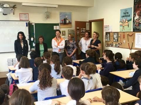 La Caisse des Ecoles du 16ème offre des dictionnaires aux élèves de CM2