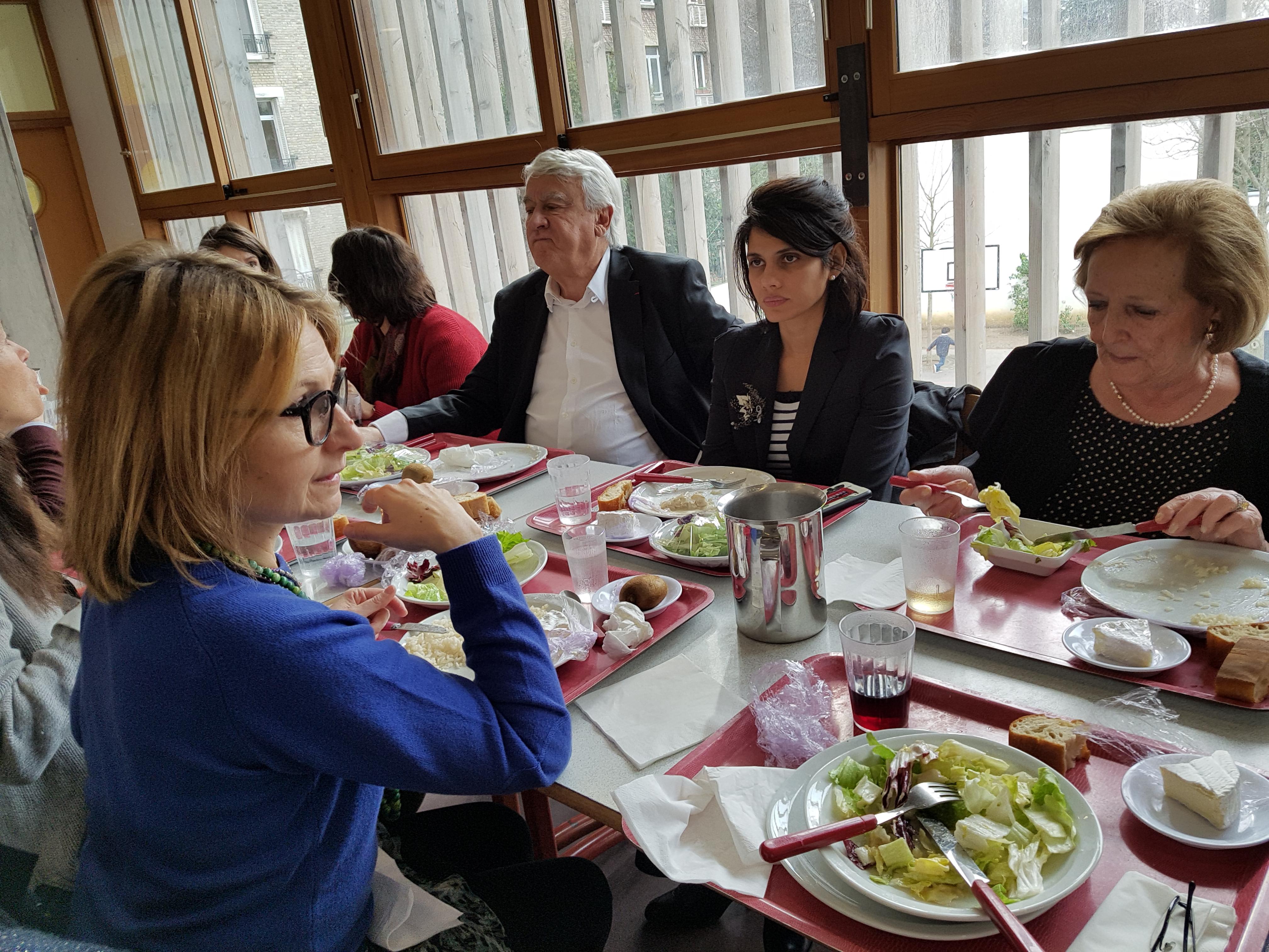 Déjeuner à l'école La Fontaine