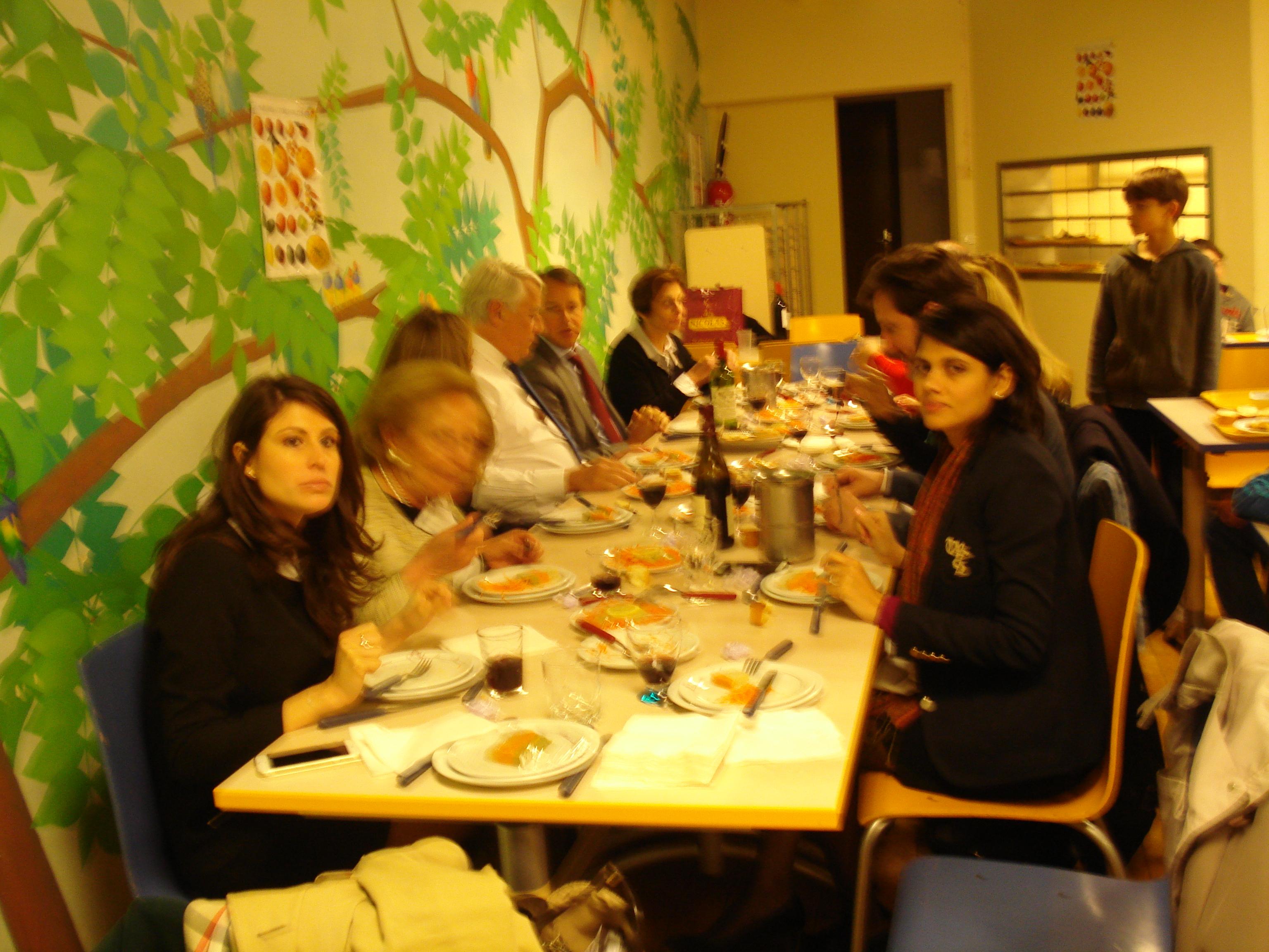 Déjeuner de Pâques dans les cantines du 16ème